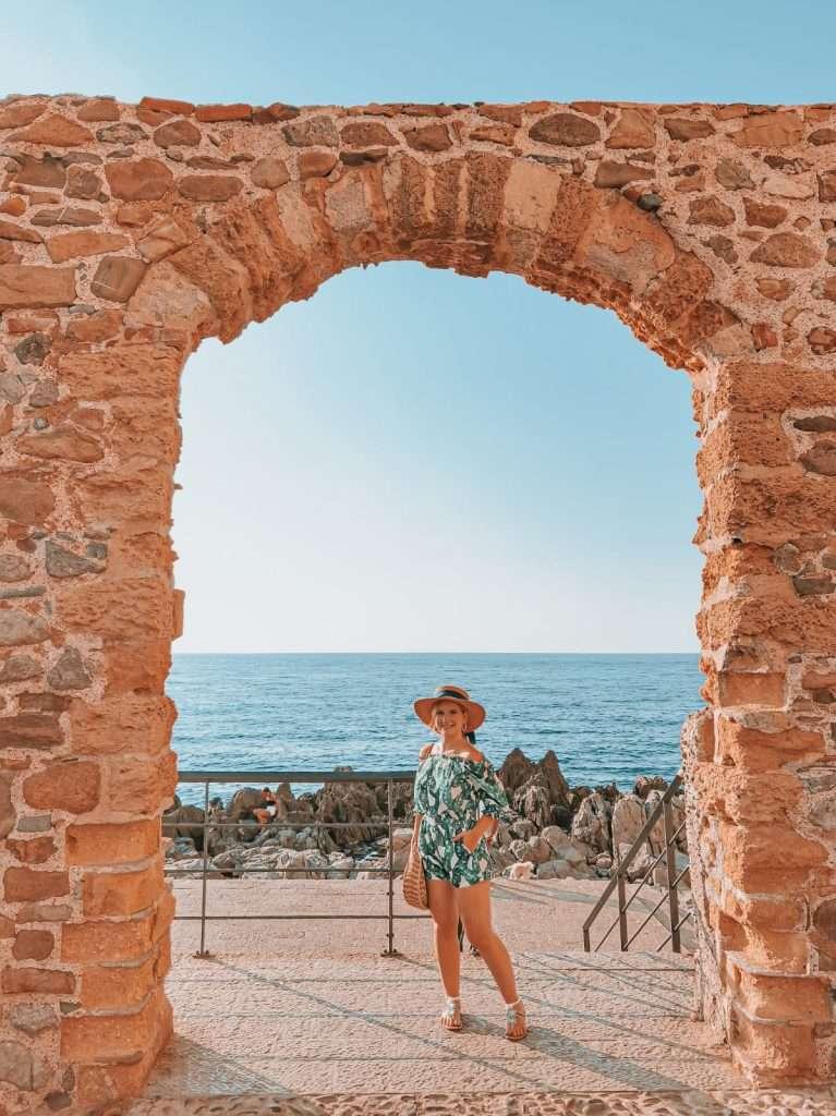 Cefalù in un giorno-finestra-sul-mare