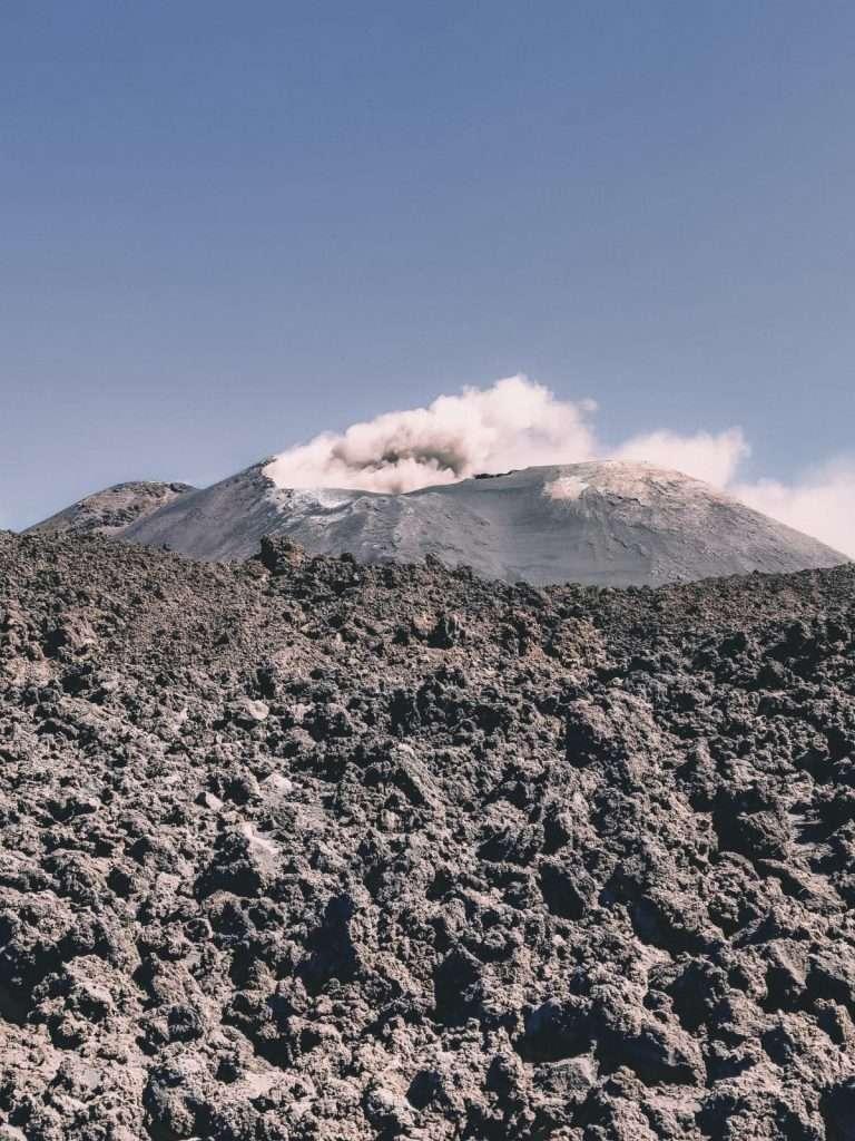 escursione ai crateri sommitali sull'Etna-etna-eruzione