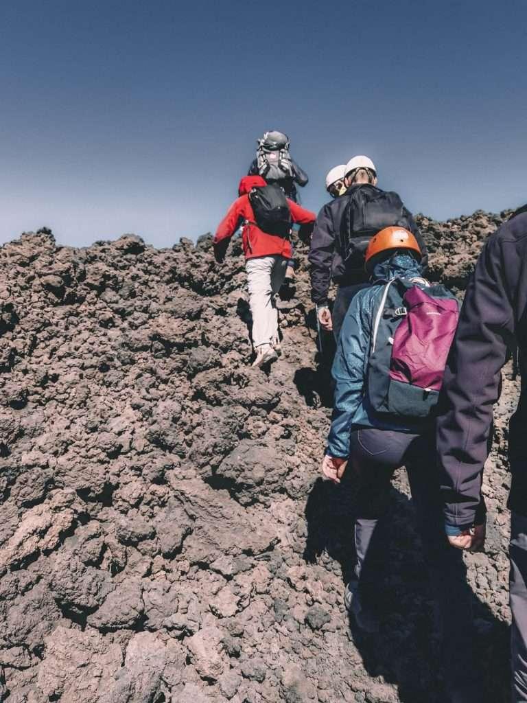 escursione ai crateri sommitali sull'Etna-trekking-etna
