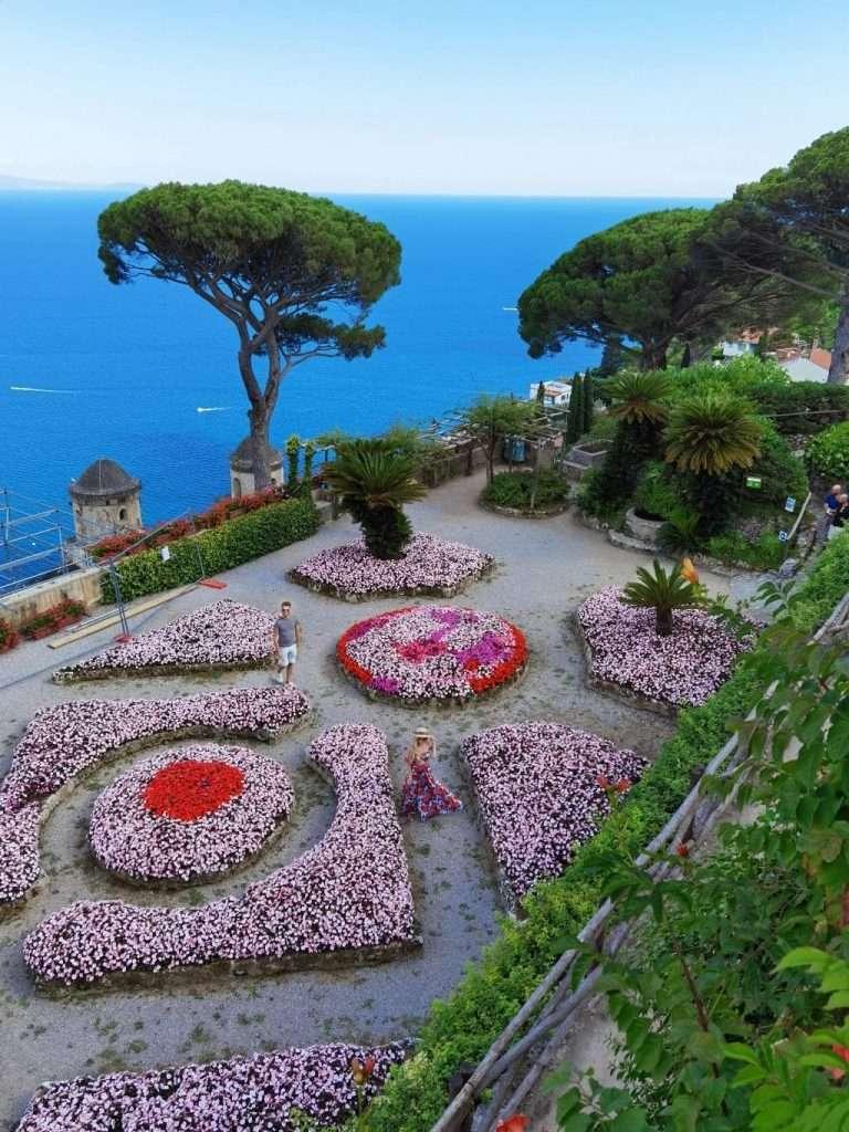 luoghi instagrammabili in Costiera Amalfitana-villa rufolo