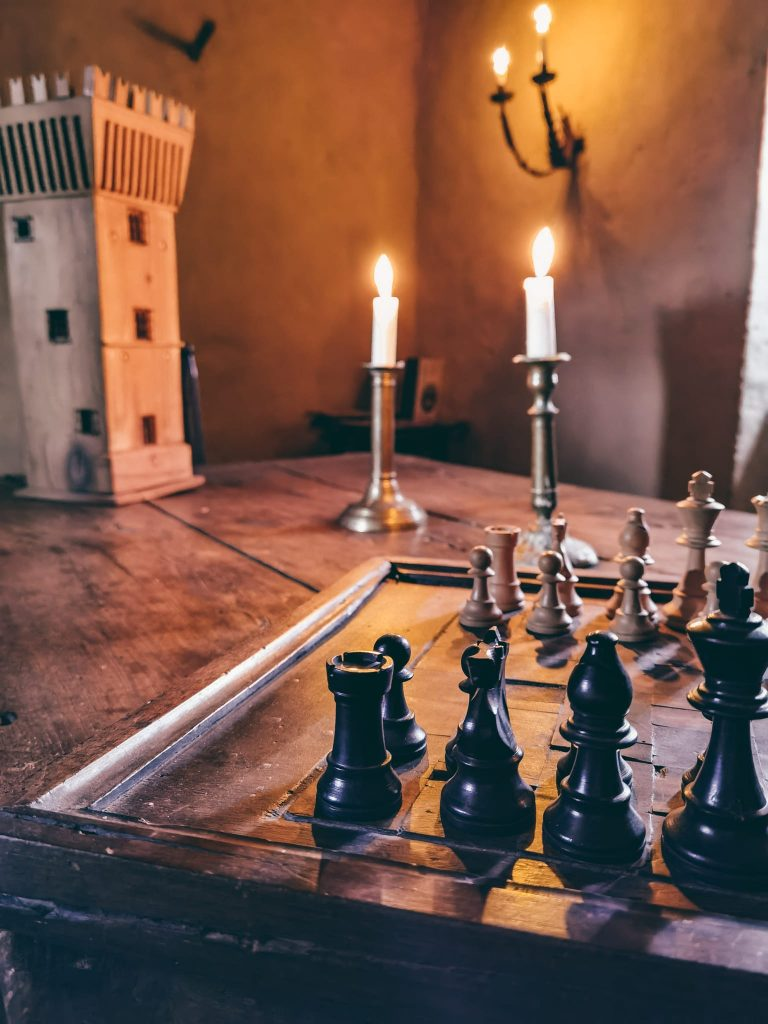 dormire in una torre medievale-scacchi