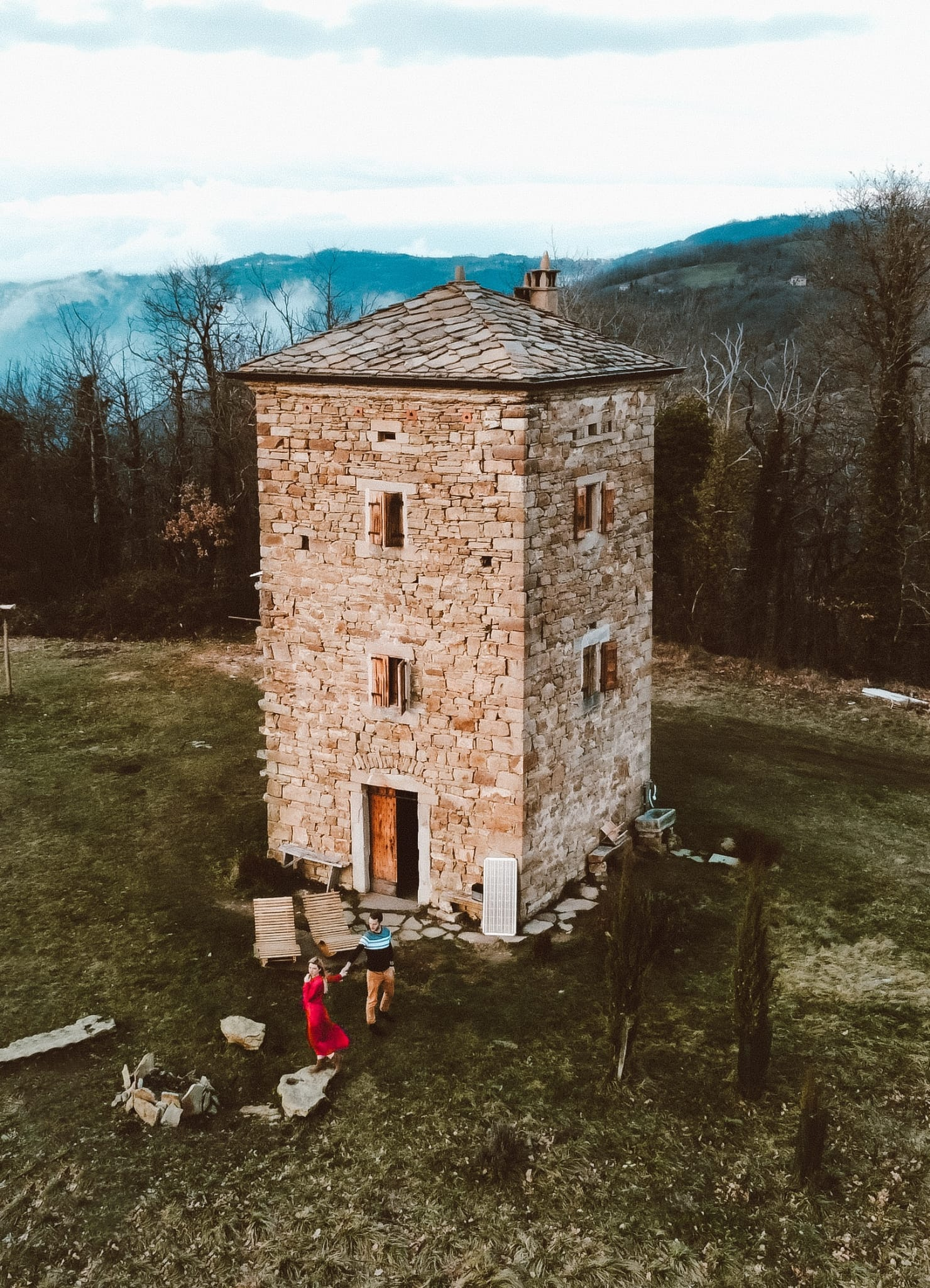 dormire in una torre medievale-tower-house