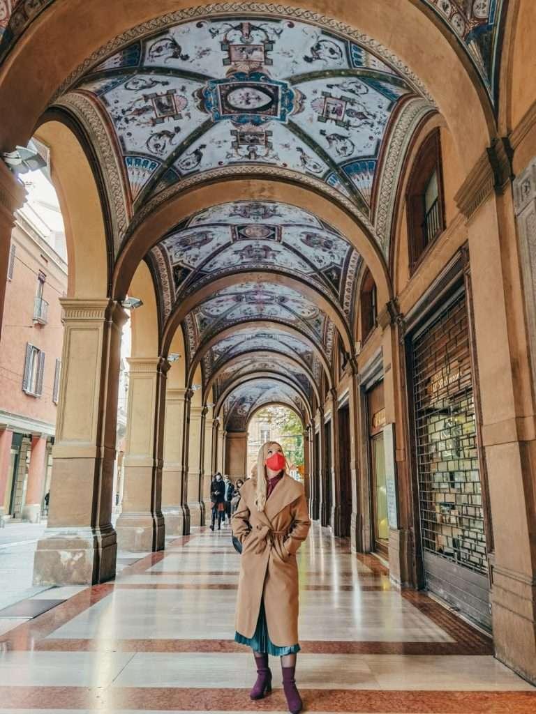 luoghi instagrammabili a Bologna-via-farini