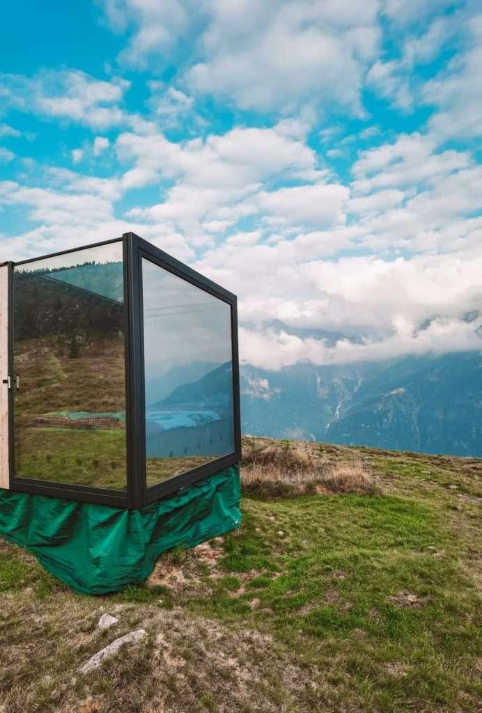 dormire in un cubo di vetro-svizzera